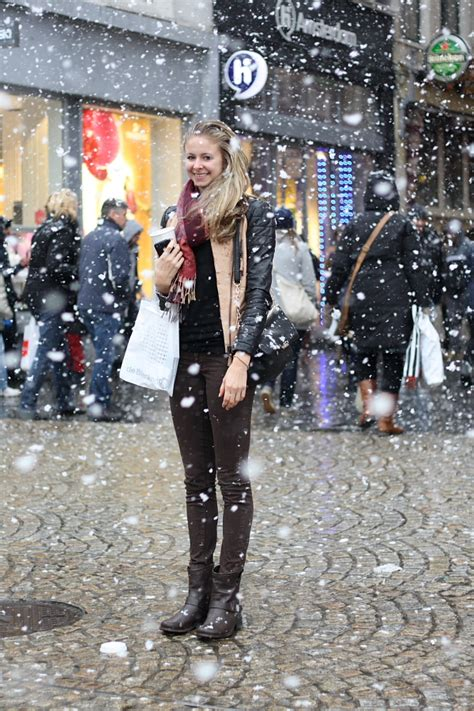 Fashion Newsletter Snow Chic by Streetstyle Chic Snow Dam Square Amsterdam Kevin Diest