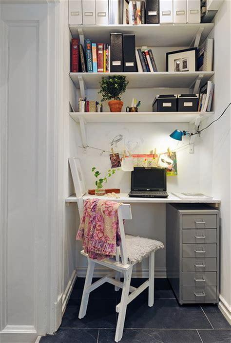 small home office design inspiration 模様替えの選択肢にも 超コンパクトなワークスペース 住宅デザイン