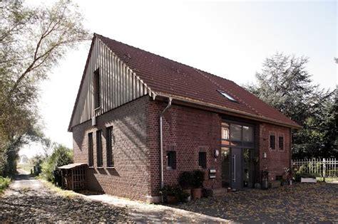 scheune wohnraum umbau der scheune zum wohnhaus lecke architekten
