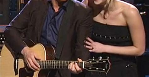 woody harrelson on snl jennifer lawrence hunger games cast sing with woody