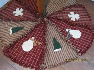 small raggy christmas tree skirt by kbardo on etsy