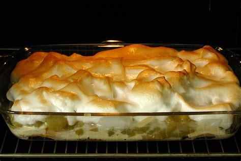 kuchen in auflaufform rhabarber kuchen in auflaufform rezepte zum kochen