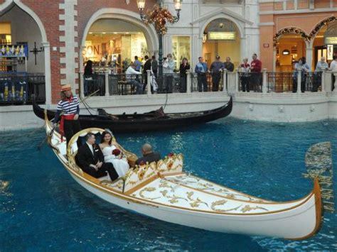 gondola wedding  venetian resort american sky
