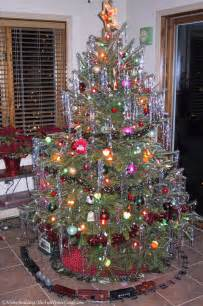 What To Do With Old Christmas Decorations - vintage christmas tree ornaments for fun and nostalgia fun times guide to home building