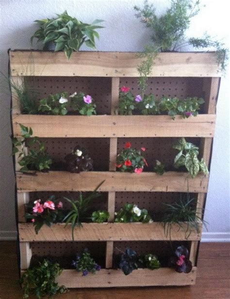 pallet gardens 10 amazing garden pallets and tips how to