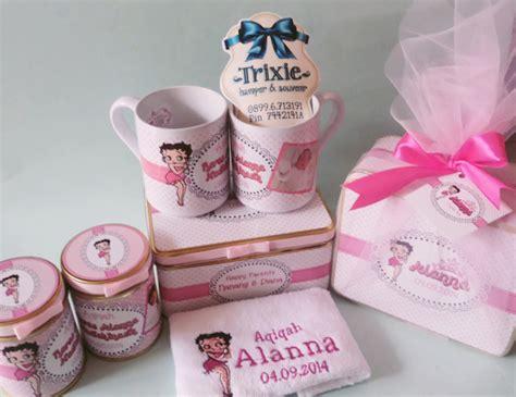 Souvenir Mug Utk Aqiqah One Month Ultah Cetak Mug Murah 29 alanna s selapan trixie her souvenir