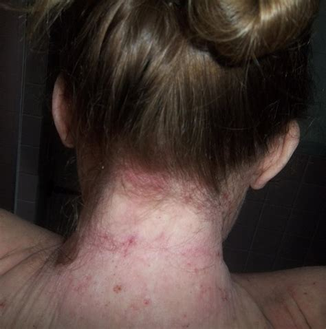 feathered hair into nape of neck nape of neck hairline images what to do with neck hair