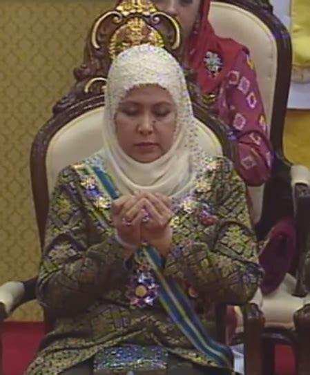 Tunik Soraya warisan permaisuri melayu permaisuri dan puteri berhijab