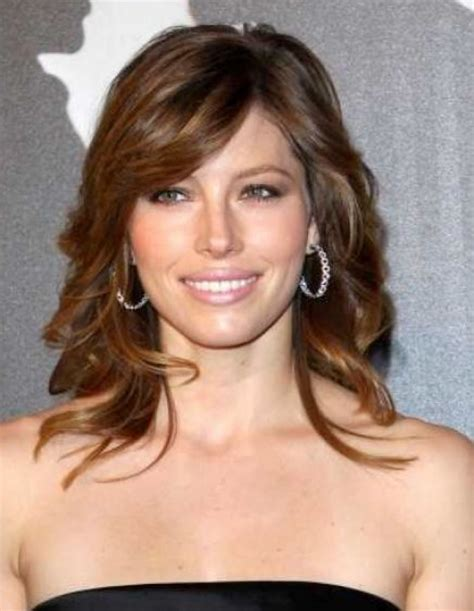 images layered hairstyles for shoulder length hair latest everlasting layered hairstyles for medium length
