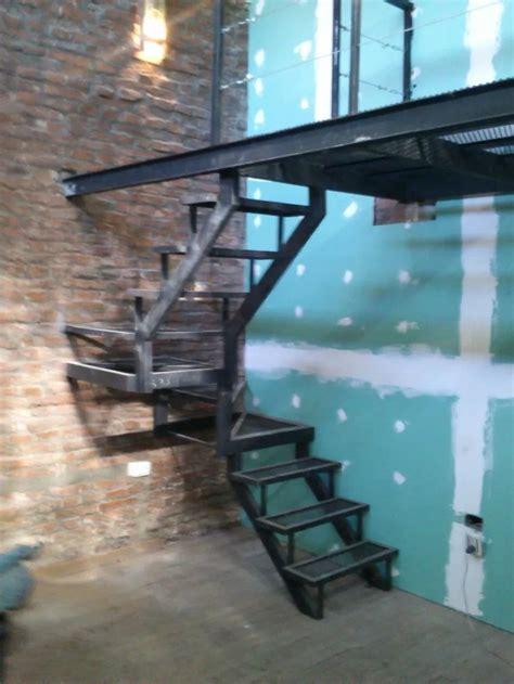 escaleras metalicas interiores m 225 s de 25 ideas incre 237 bles sobre escaleras metalicas en