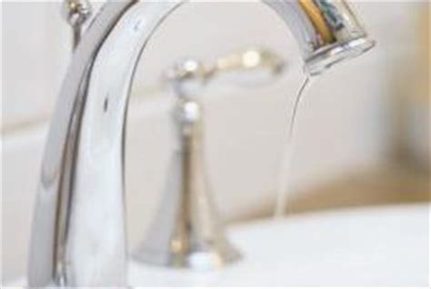 turn water sink how to turn water to the bathroom sink home guides