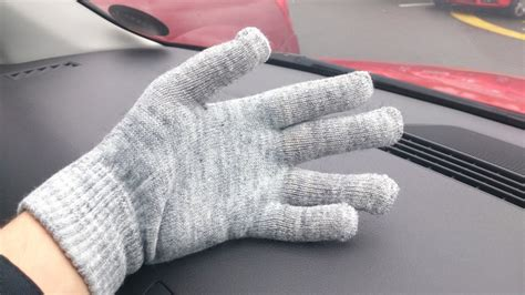 coolsmartphone gift guide touchscreen gloves