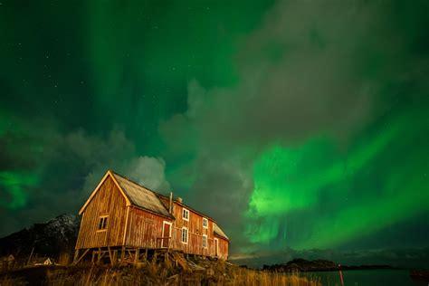 lofoten northern lights tour northern lights in the lofoten islands