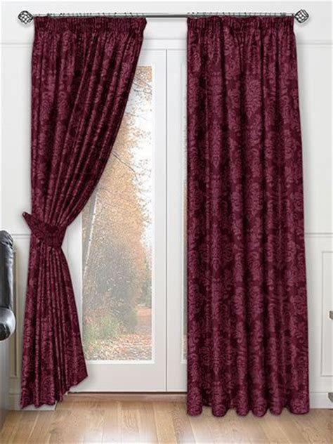 maroon curtains 1000 ideas about burgundy curtains on pinterest maroon