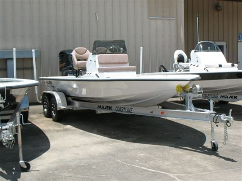 majek xtreme boats for sale majek 2200 xtreme boats for sale