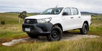 Toyota 4x4 2016 Toyota Hilux Workmate 4x4 Review Caradvice