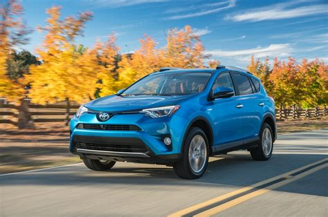 motor cars toyota 2019 toyota rav4 to debut at new york auto show motor trend