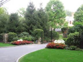 driveway landscape design plantings traditional landscape new york by cipriano landscape
