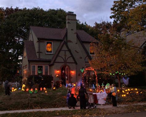 homes decorated for halloween series halloween decorated house 2 photo leo photos at