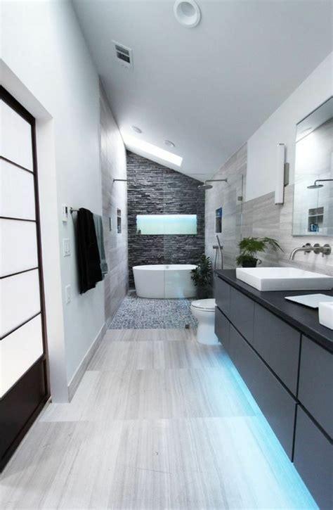 agréable Chambre Sous Pente De Toit #5: 1-salle-de-bain-sous-pente.jpg