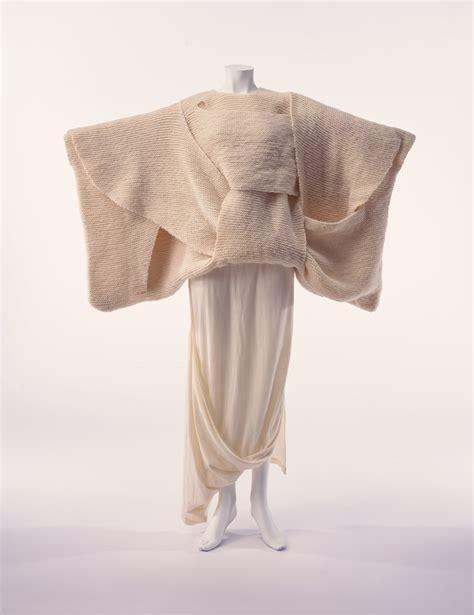 rei kawakubo comme des garcons rei kawakubo comme des gar 231 ons fashion topics the red list