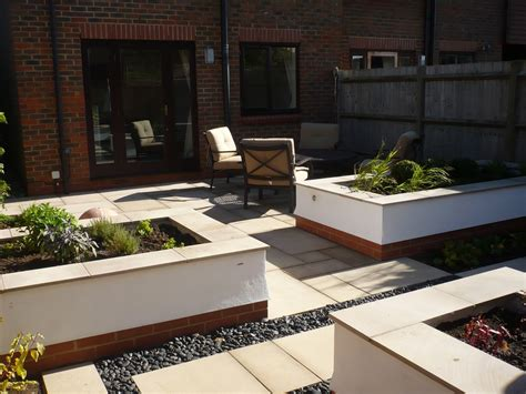 contemporary garden  raised beds jayne anthony