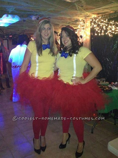 comfortable halloween costumes easy homemade tweedle dum and tweedle dee halloween couple