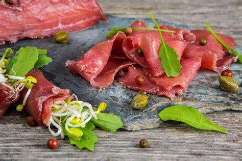 cucinare carne di cavallo carne di cavallo propriet 224 benefici e idee in cucina