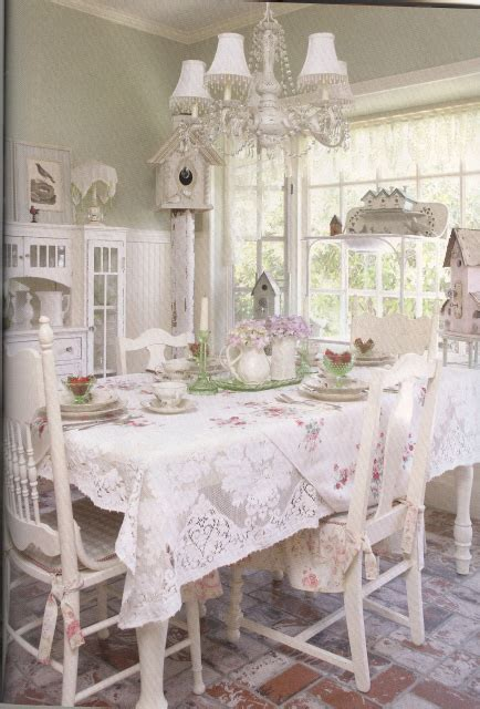shabby chic table cloths decorating and collecting vintage fabrics