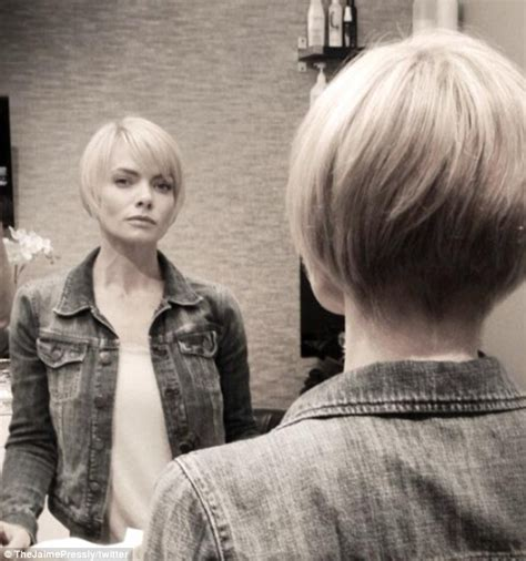 how to cut hair into a long bob another miley copycat jaime pressly dramatically chops
