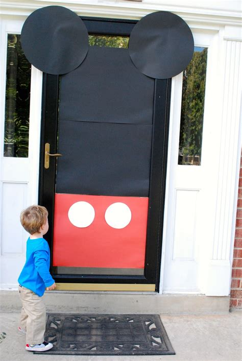 Mickey Mouse Door by 1000 Ideas About Mickey Mouse On