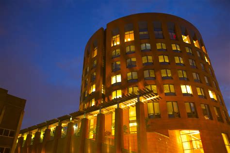 Wharton School Mba Distance Learning by Why Wharton School Of Business And How To Get In