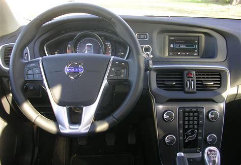 interior del volvo  automotiva