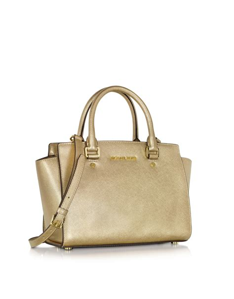 Michael Kors Selma Medium Satchel Pale Gold pin bolsa michael kors saffiano gold on