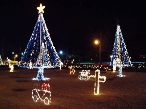 christmas lights memphis tn best places to see christmas lights in memphis axs