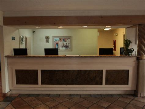 motel 6 front desk picture of motel 6 santa fe central santa fe