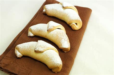 come si fanno i cornetti in casa cornetti fatti in casa come preparare i croissant in modo