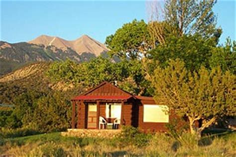 trail s end cozy honeymoon cabin sunset view pack