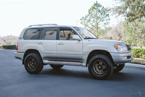 lifted lexus lx jt6ht00w0y0088579 1 owner lx470 expedition build land