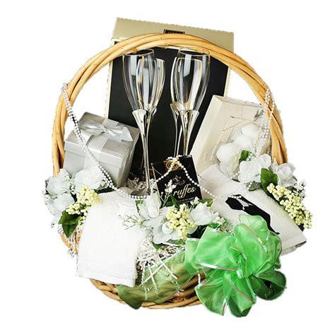 wedding gift basket ideas 17 most unforgettable wedding gift ideas sang maestro