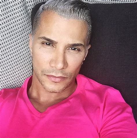 Manuel Taking Canadas Next Top Model by Canadian Makeup Artists To Follow On Instagram