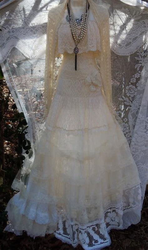 vintage bohemian wedding ideas ruffled lace wedding dress boho ivory cream vintage tulle bohemian