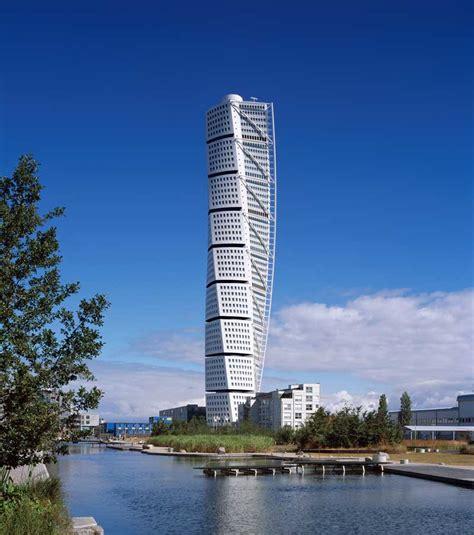 turning torso tower malmo skyscraper calatrava  architect