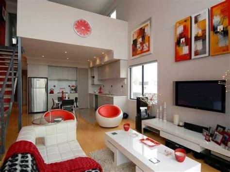 hochzeitsdeko tisch rot weiß arbeitsplatz im schlafzimmer
