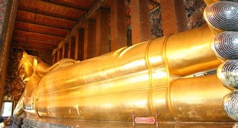 reclining buddha at wat pho temple of the reclining buddha wat pho gobangkok asia
