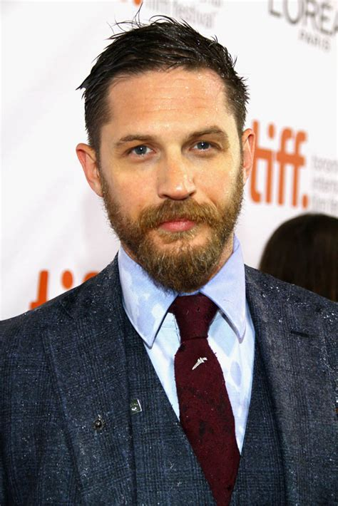 tom hardy tom hardy gets wet greeting fans at tiff premiere of