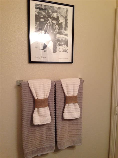 bathroom towel hanging ideas best 25 decorative bathroom towels ideas on
