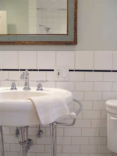 bathroom tile trim tile subway tiles and bungalow bathroom on pinterest