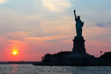 sailing boat nyc new york attractions by boat sailing nyc with sailo