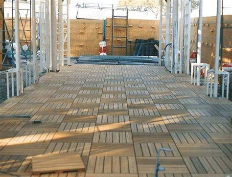 piastrelle galleggianti per terrazzi pavimenti galleggianti per esterni pavimento da esterni